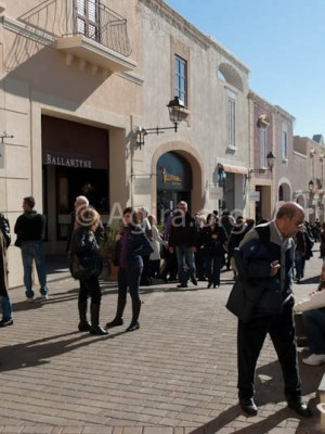 outlet sicilia fashion village enna - una domenica di shopping_-24